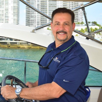 33-ft-Chaparral-2013-327 SSX- Miami Florida United States  yacht for sale Robert Ponce