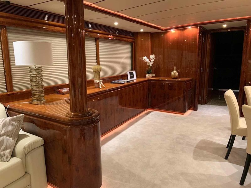 Dining Area to Port