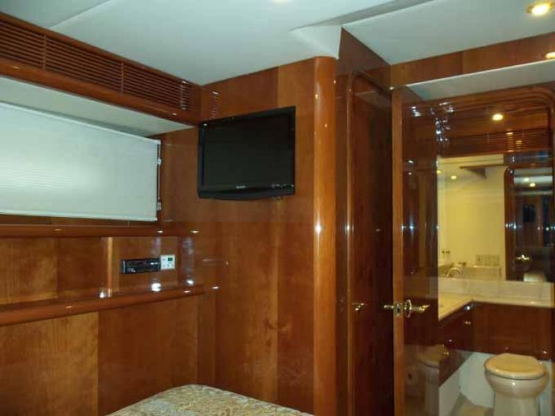 Port Guest Cabin Looking Forward