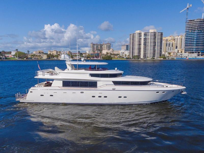 Johnson-Flybridge w/Euro Transom 2005-4 MAL Fort Lauderdale-Florida-United States-4 MAL-1060167-featured