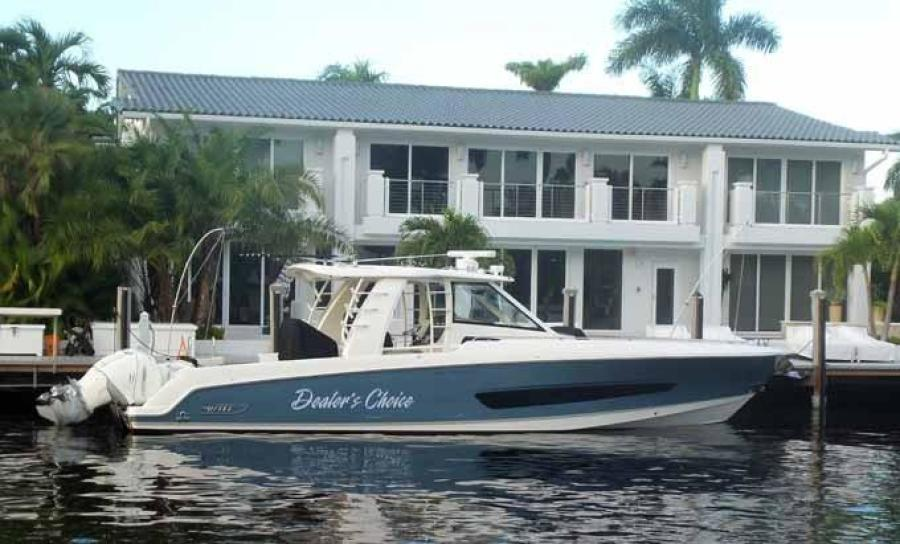 Photo of 42' Boston Whaler Outrage 42 2016