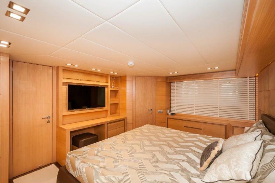 2015 Maiora 84 Motor Yacht VIP Stateroom Never Rest