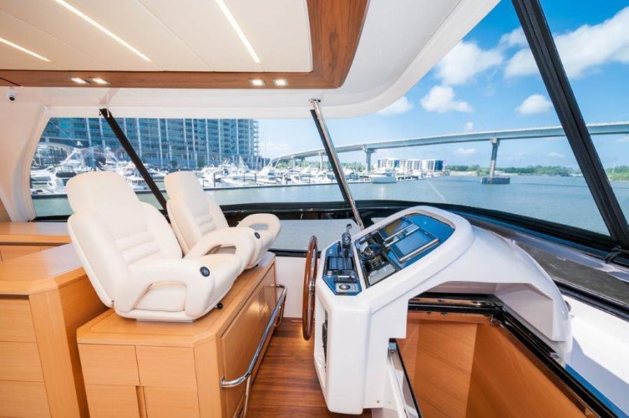 2015 Maiora 84 Motor Yacht Flybridge Helm Never Rest