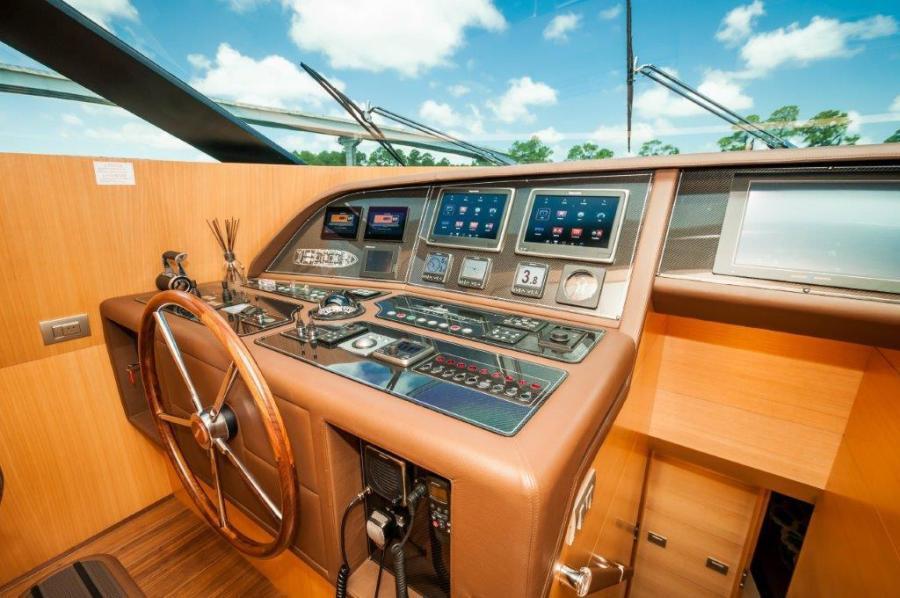 2015 Maiora 84 Motor Yacht Pilot House Helm Never Rest