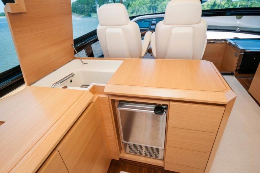 2015 Maiora 84 Motor Yacht Flybridge Wetbar Never Rest