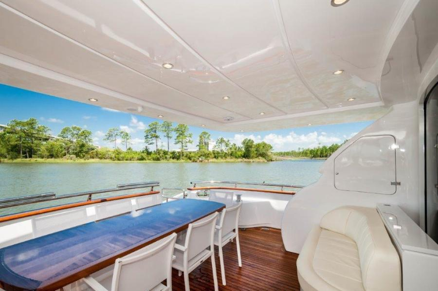 2015 Maiora 84 Motor Yacht Cockpit Never Rest