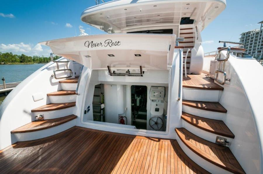 2015 Maiora 84 Motor Yacht Trunk Never Rest