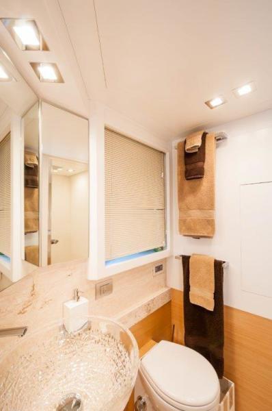 2015 Maiora 84 Motor Yacht Starboard Guest Head Never Rest