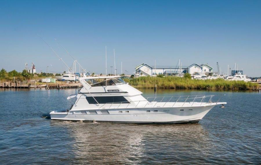 photo of 65' Hatteras 65 Convertible 1987