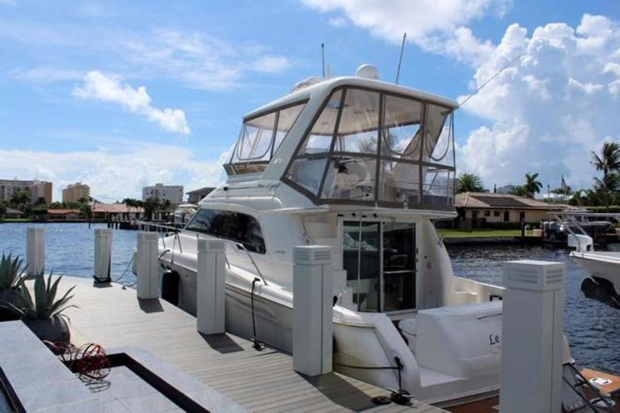 Photo of 48' Sea Ray 480 Sedan Bridge 1999