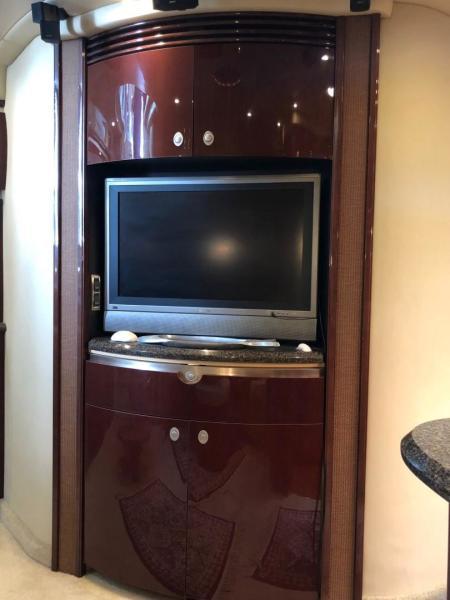 Salon - FlatScreen TV