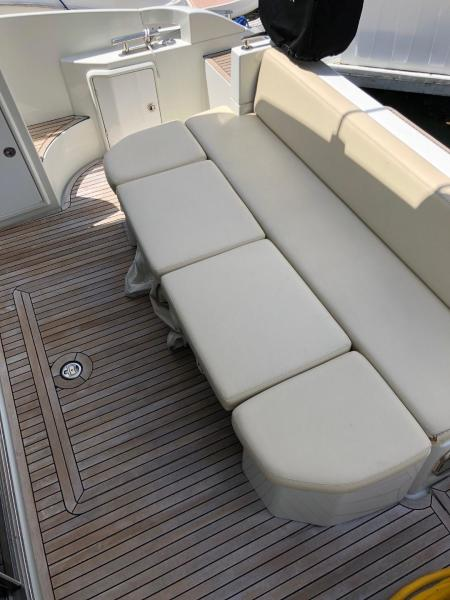 Cockpit w/ Teak Flooring