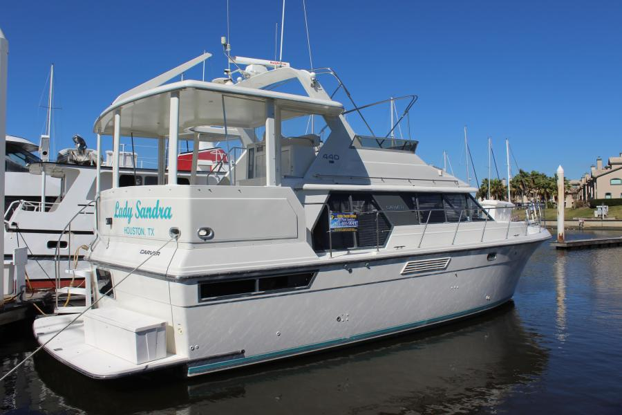 photo of 44' Carver 440 Aft Cabin Motor Yacht 1995
