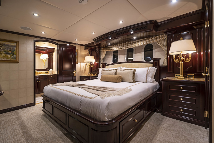 King Guest Stateroom (1)