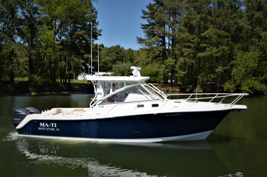 photo of 33' Edgewater 335EX Express 2014