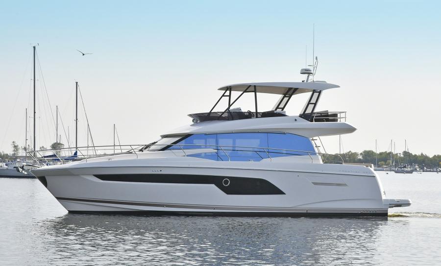 Prestige-520 Fly 2019 -Montauk Yacht Club-New York-United States-Port Side-1072949-featured