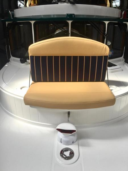 Foredeck Seat