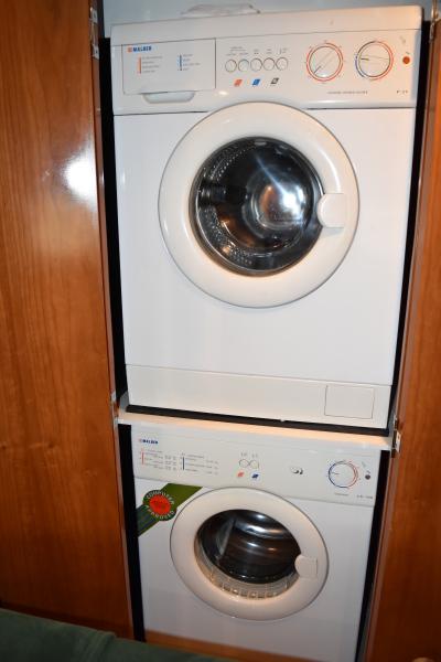 Washer/ Dryer Unit
