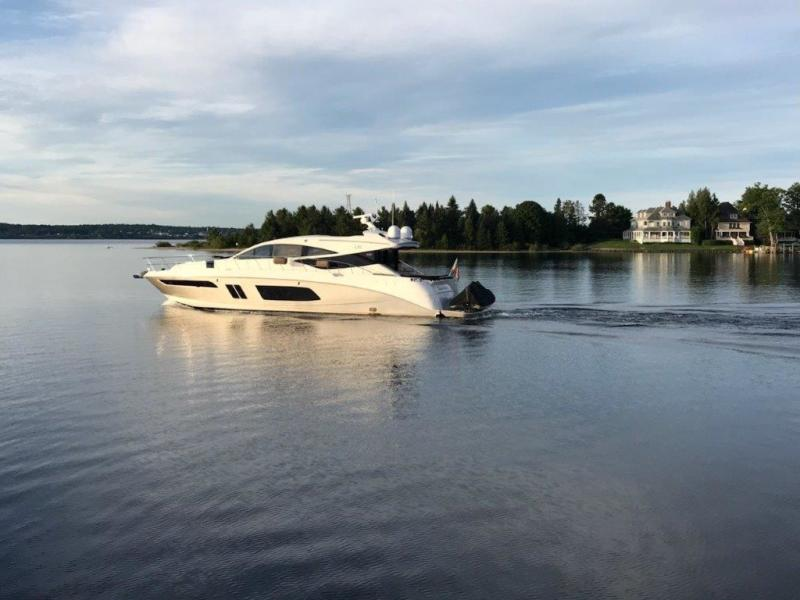 photo of 65' Sea Ray L65 Sundancer 2015