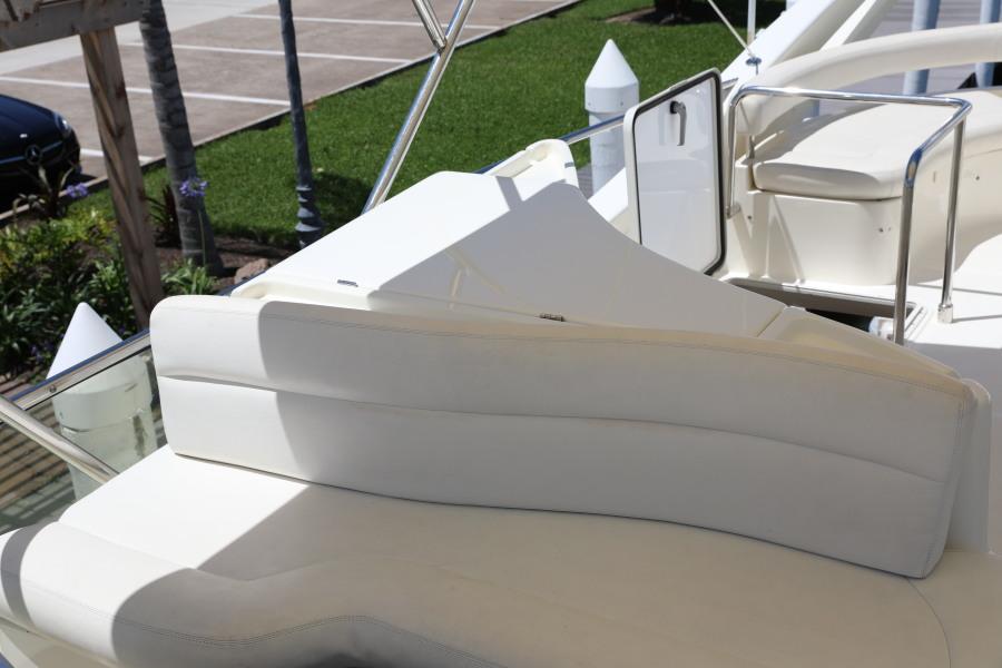 Ferretti Motor Yacht 2001 Whine Cooler