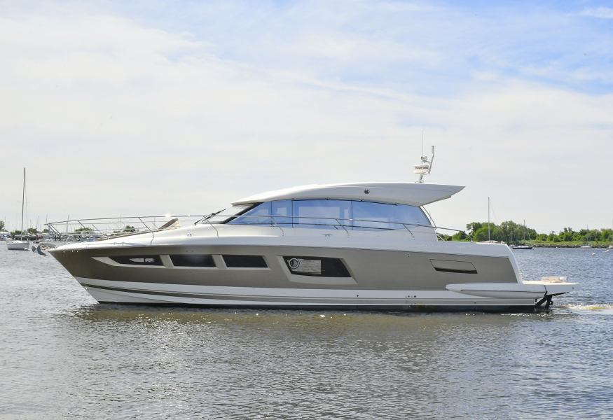 Prestige-500 S 2017 -Staten Island-New York-United States-Port Side -1175166-featured