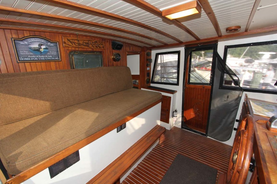 Pilothouse Watch Berth To Port