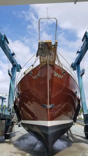 Hauled Out   Bow Hull Bottom Profile