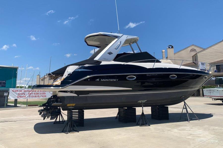 32 Sport Yacht