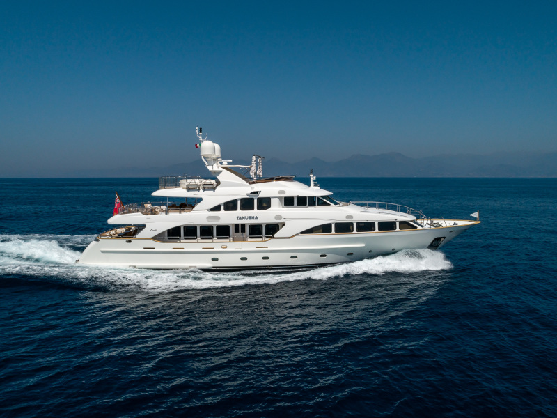 photo of 120' Benetti 2010