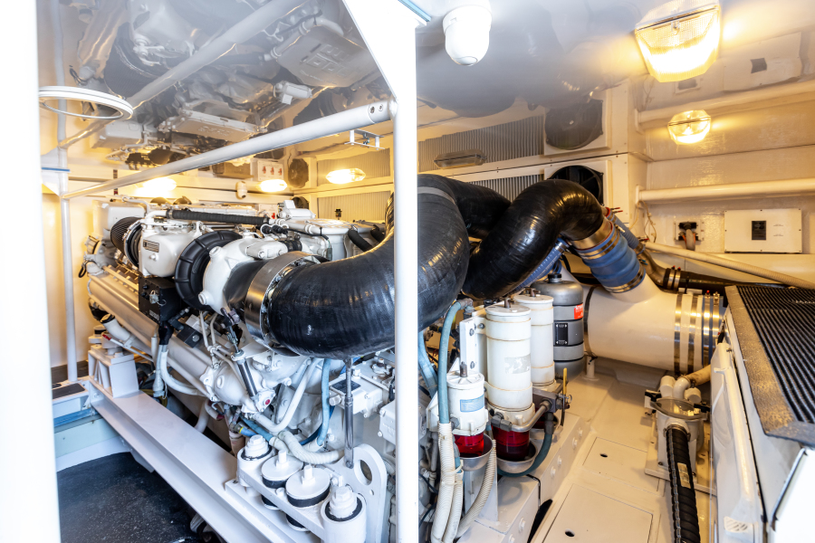 2004 65 Viking Flybridge   Engine Room (5)