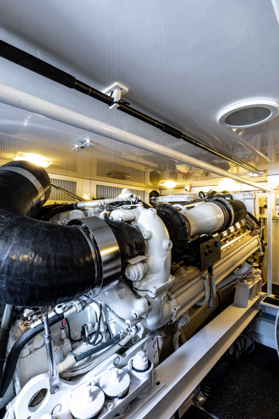 2004 65 Viking Flybridge   Engine Room (10)