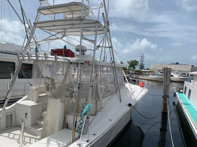 Photo of 40' Luhrs 2000