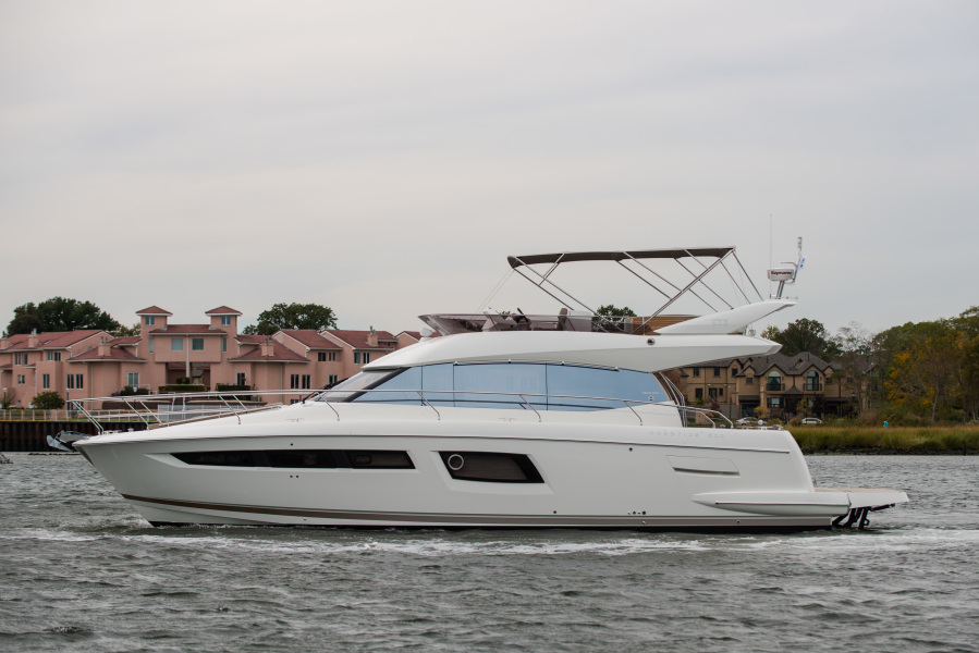 Prestige-500 Fly 2016 -Staten Island-New York-United States-Port Side-1192683-featured