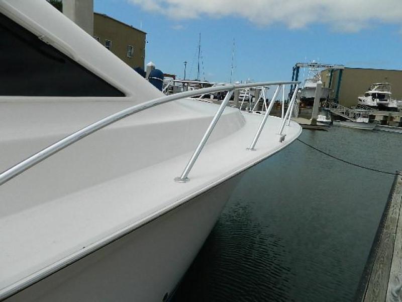 1997 Ocean Yachts 48 Super Sport - Bow Rail