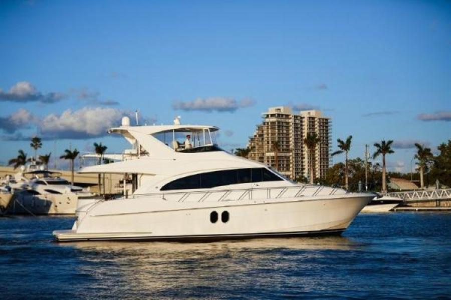 photo of 60' Hatteras Motor Yacht 2014