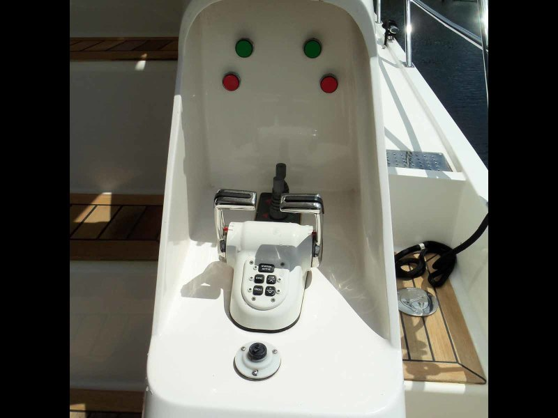 Starboard Side Lower Controls