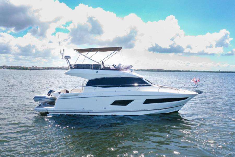 2017 Prestige 420 Flybridge - Sistership Profile