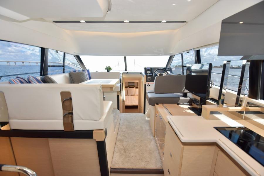 2017 Prestige 420 Flybridge - Sistership Salon Overview