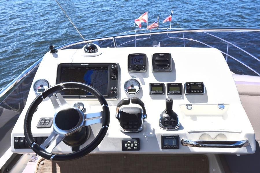 2017 Prestige 420 Flybridge - Sistership Helm Electronics