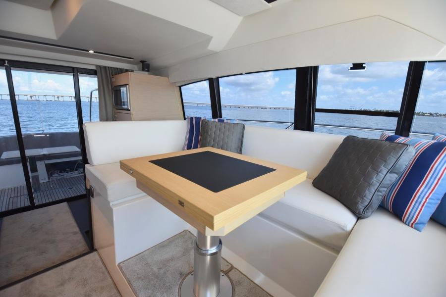 2017 Prestige 420 Flybridge - Sistership Dinette Table