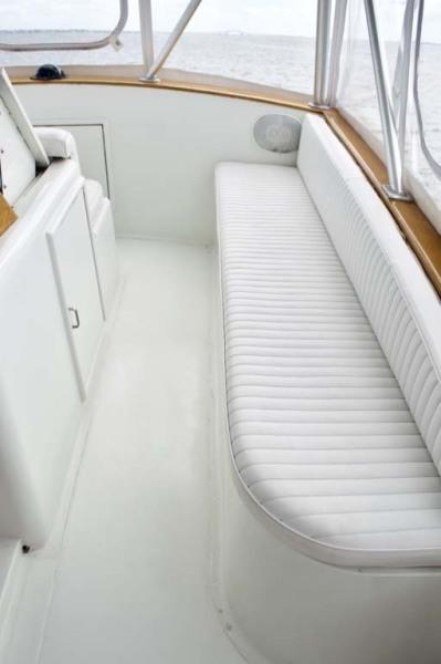 Starboard Flybridge Seating