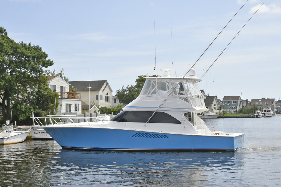 photo of 48' Viking 48 Convertible 2003