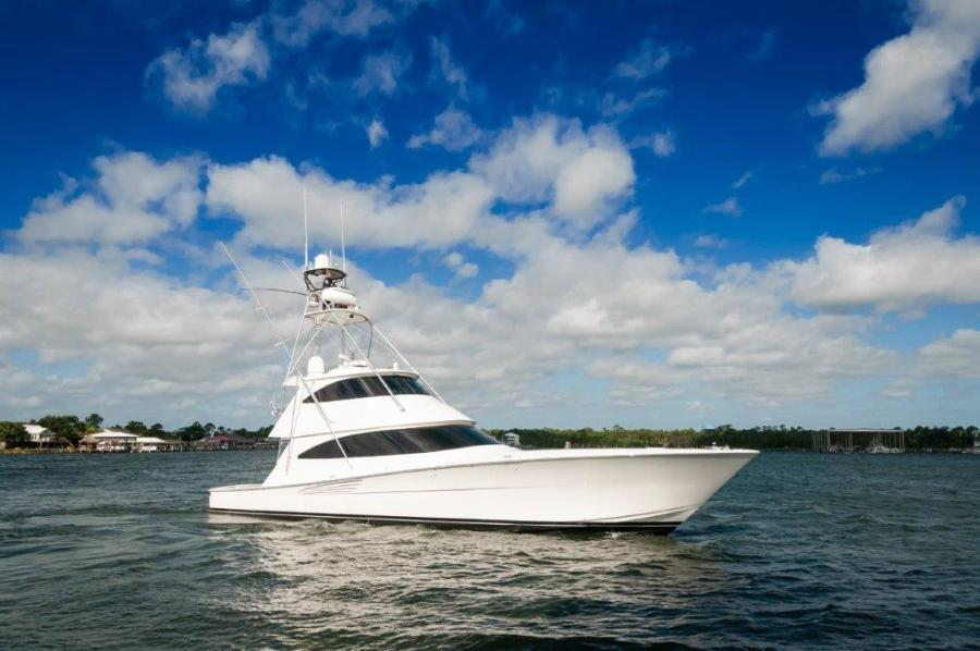 2017 72 EB Viking SHARE-E Starboard Bow