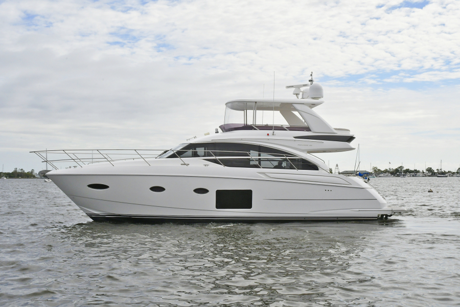 Princess-52 Flybridge 2017 -Staten Island-New York-United States-Port Side-1239307-featured