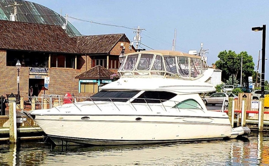 Photo of 46' Maxum 46 SCB 2001