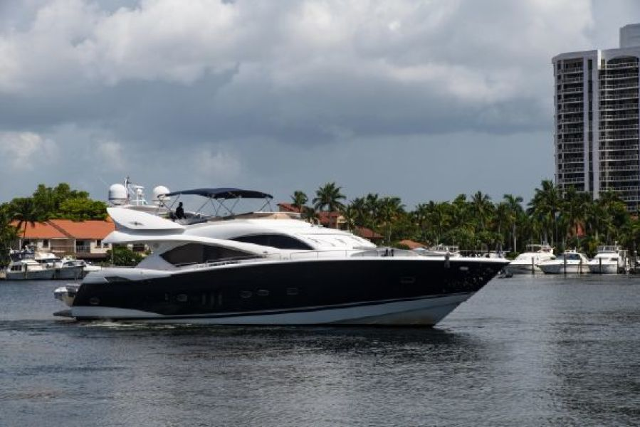 Photo of 82' Sunseeker 82 Manhattan 2004