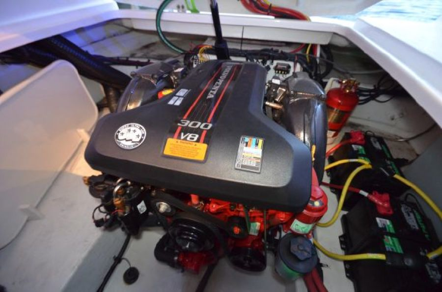 2015 Chaparral 270 Signature - Soggy Dollars - Engine