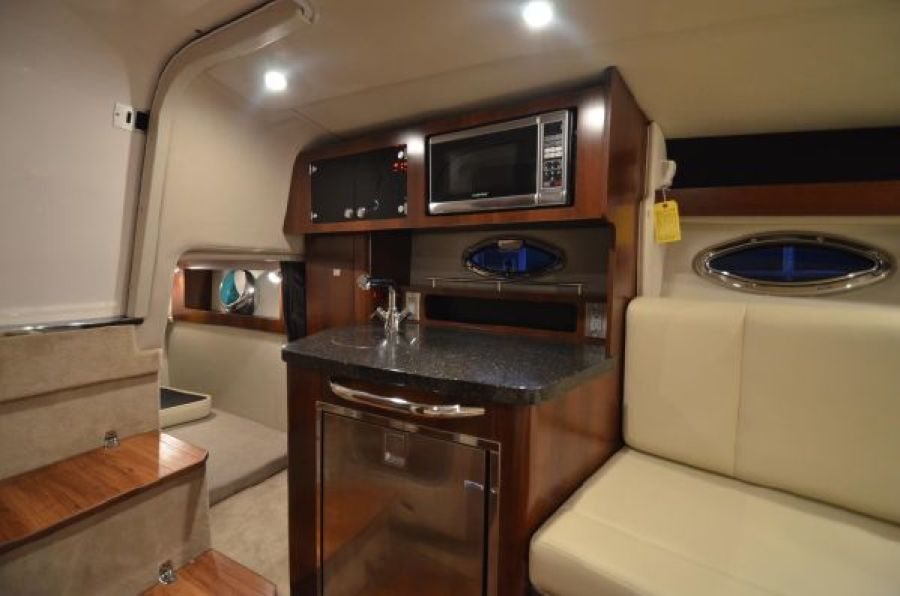 2015 Chaparral 270 Signature - Galley