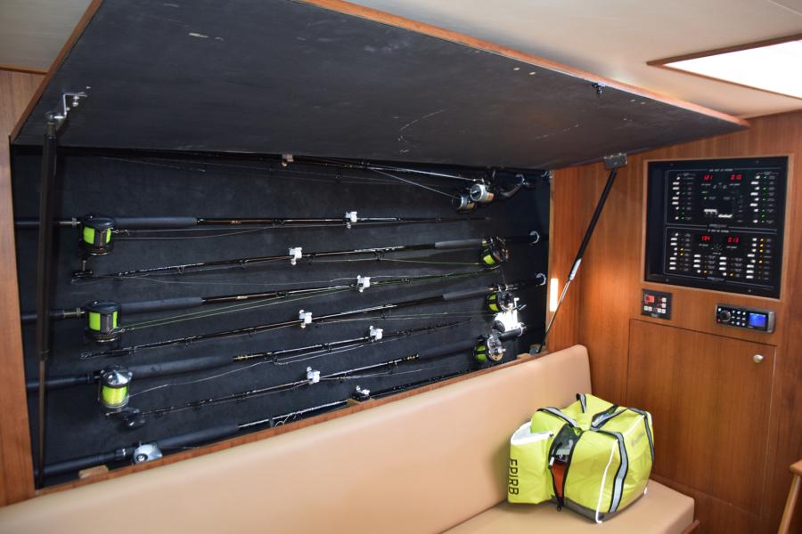 Rod storage cabinet