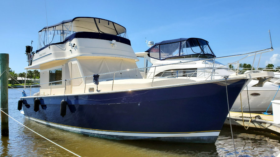Photo of 43' Mainship 430 Sedan 2006